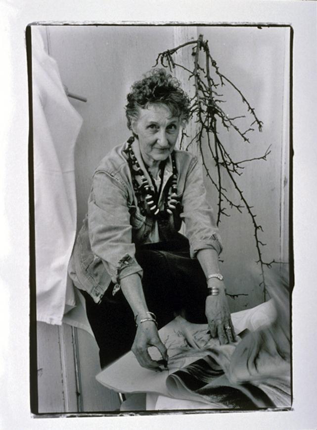 Artist Dora Knell